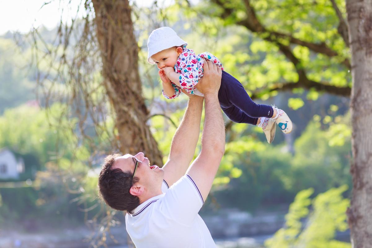 Séance nouveau-né et famille à Cahors 24