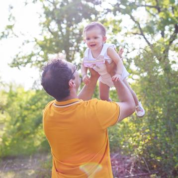 Séance nouveau-né et famille à Cahors
